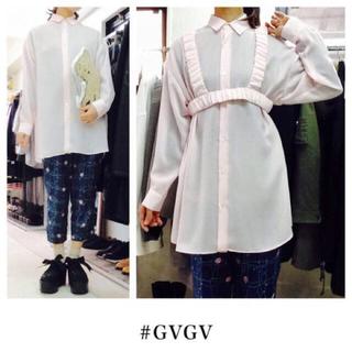 ジーヴィジーヴィ(G.V.G.V.)の定価2.7万 新品 G.V.G.V ハーネス付きシャツワンピース(シャツ/ブラウス(長袖/七分))