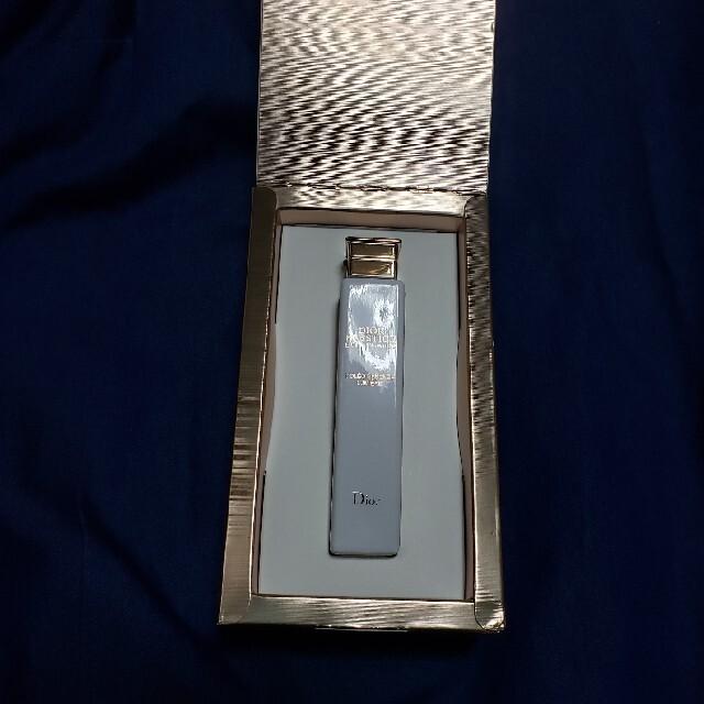 Dior(ディオール)のDior プレステージ ホワイト オレオ エッセンス ローション コスメ/美容のスキンケア/基礎化粧品(化粧水/ローション)の商品写真