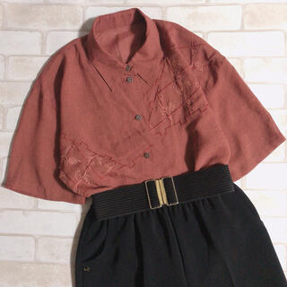 サンタモニカ(Santa Monica)のボルドー ブラウン 刺繍 ゆったり 大きいサイズ レトロ シャツ 古着(シャツ/ブラウス(半袖/袖なし))