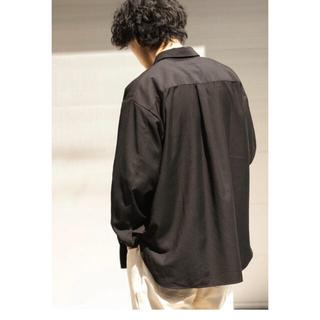ドアーズ(DOORS / URBAN RESEARCH)の新品未使用 アーバンリサーチ ブラックオーバーサイズシャツ(シャツ)
