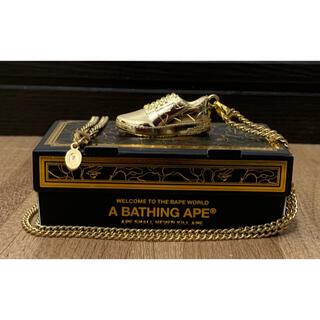 アベイシングエイプ(A BATHING APE)の★未使用★ゴールド会員 限定 BAPESTA ネックレス シャーク(ネックレス)