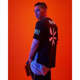 フェンディ(FENDI)のFENDI   BIGBANG コラボ レア 52(Tシャツ/カットソー(半袖/袖なし))