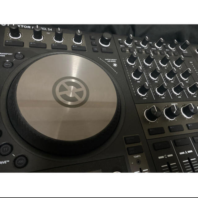 Pioneer(パイオニア)のNATIVE INSTRUMENTS TRAKTOR S4 MK3 楽器のDJ機器(DJコントローラー)の商品写真