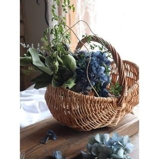 藍色紫陽花とアンティーク紫陽花のスワッグ。ドライフラワースワッグ。紫陽花スワッグ(ドライフラワー)