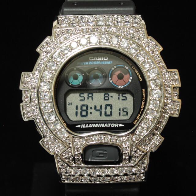 G-SHOCK(ジーショック)の13.5ct VVS相当の輝き 特注 G-Shock DW6900  メンズの時計(ラバーベルト)の商品写真