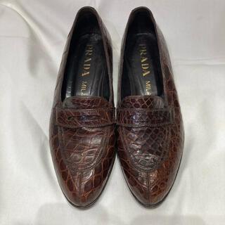 プラダ(PRADA)のPRADA Women's ローファー(ローファー/革靴)
