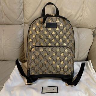 Gucci - GUCCI リュック グッチBEE バッグパック GGスプリーム