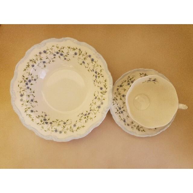 ROYAL ALBERT(ロイヤルアルバート)のキャロライン お皿とティーカップのセット インテリア/住まい/日用品のキッチン/食器(食器)の商品写真