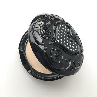 アナスイ(ANNA SUI)の新品未使用 アナスイ ブラック スムース スキン パウダー  (ラ(フェイスパウダー)