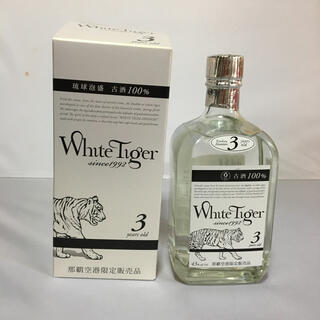 琉球泡盛 ホワイトタイガー 3年古酒100%(焼酎)