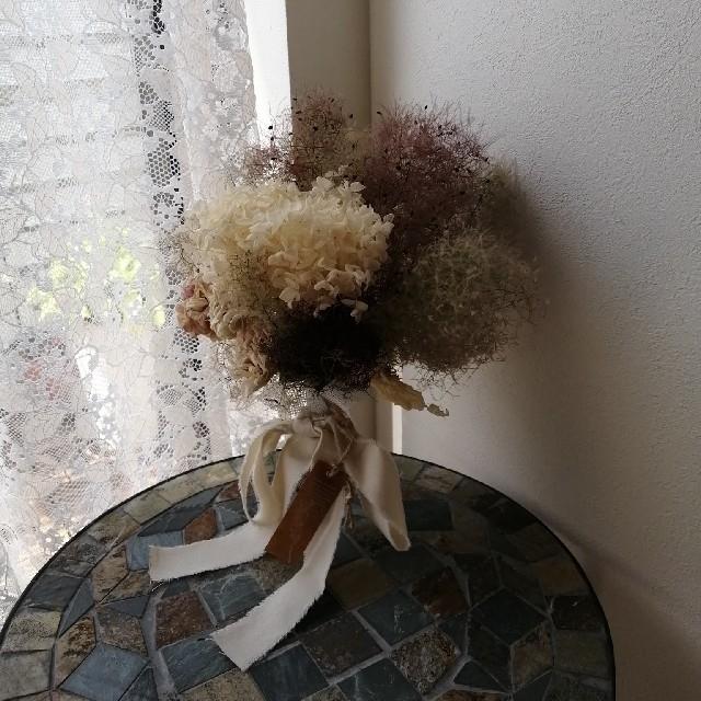 クシュクシュのホワイトローズとモフモフのスモークツリー ドライフラワースワッグ ハンドメイドのフラワー/ガーデン(ドライフラワー)の商品写真