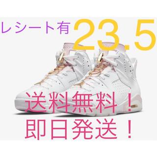 """ナイキ(NIKE)の【新品】nike wmns air jordan 6 """"gold hoops""""(スニーカー)"""