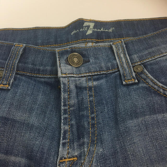 7 for all mankind(セブンフォーオールマンカインド)の新品未使用 セブンフォオールマンカインド ショートパンツ  レディースのパンツ(デニム/ジーンズ)の商品写真
