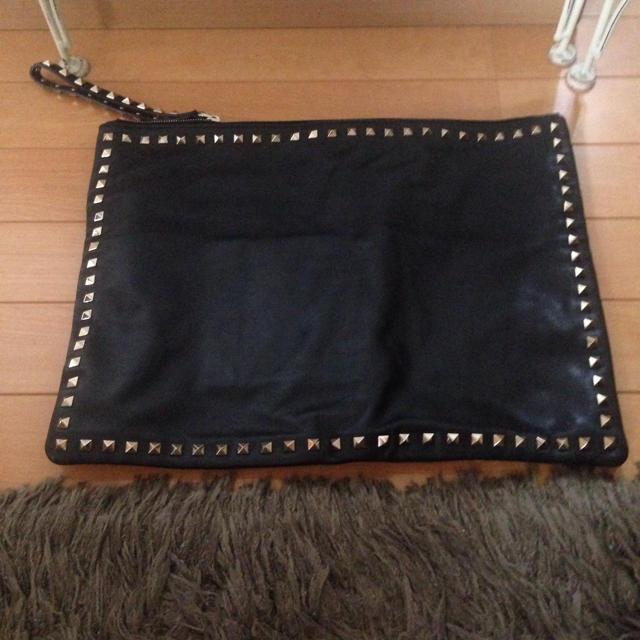 valentino garavani(ヴァレンティノガラヴァーニ)のヴァレンティノ クラッチバッグ レディースのバッグ(クラッチバッグ)の商品写真