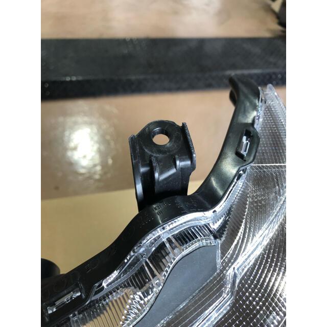 ダイハツ(ダイハツ)のダイハツ アトレーワゴンS321G LEDヘッドライト左右 自動車/バイクの自動車(車種別パーツ)の商品写真