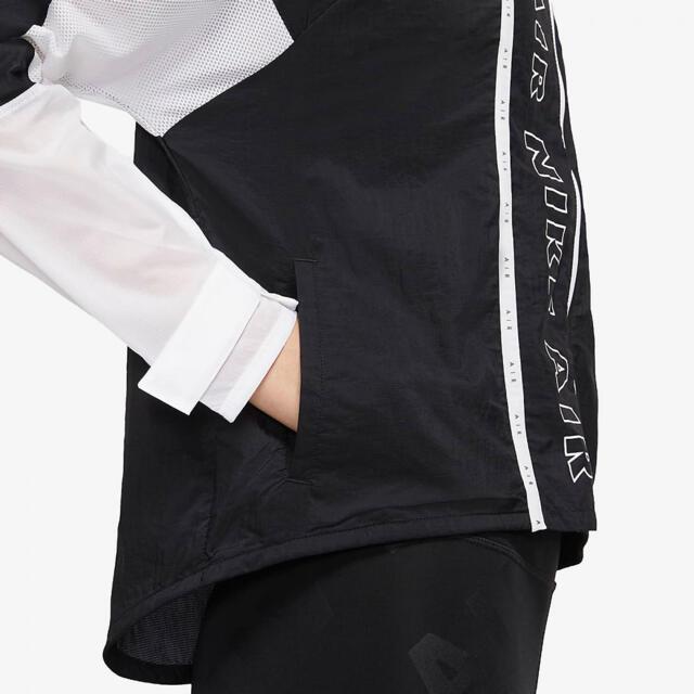 NIKE(ナイキ)のNIKE ビッグロゴ フルジップ ナイロンジャケット ランニング 日焼対策 M レディースのジャケット/アウター(ナイロンジャケット)の商品写真