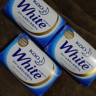 カオウ(花王)のホワイト石鹸(日用品/生活雑貨)