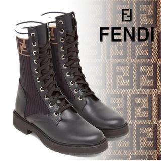 フェンディ(FENDI)の最終値下げ FENDI ブラックレザー バイカーブーツ(ブーツ)