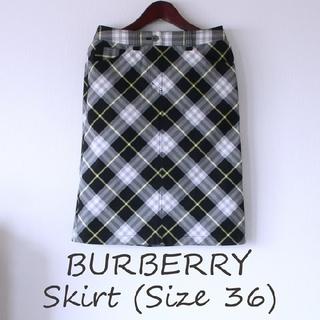 バーバリー(BURBERRY)の【超美品】BURBERRY  チェック柄スカート サイズ36(ひざ丈スカート)