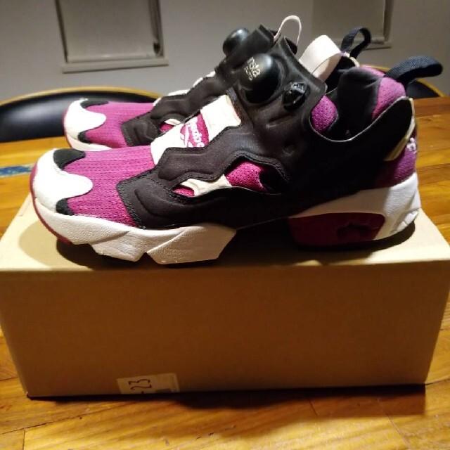 Reebok(リーボック)のリーボック インスタポンプフューリー  (Reebok Insta Pomp F レディースの靴/シューズ(スニーカー)の商品写真