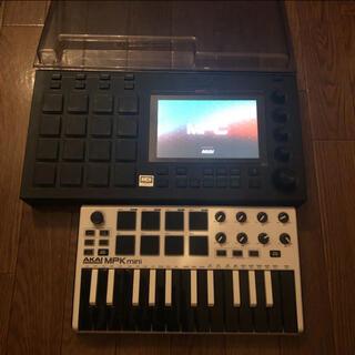 コルグ(KORG)のmpc live + mpk mini(限定色) + ヘッドホン(MIDIコントローラー)