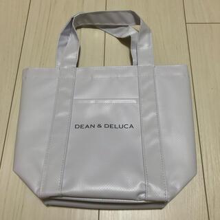 ディーンアンドデルーカ(DEAN & DELUCA)のDEAN & DELUCA 白 トートバッグ(トートバッグ)
