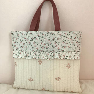 フローティングフローラとさくらんぼ刺繍のレッスンバッグ (バッグ/レッスンバッグ)
