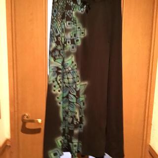 ヨーカン(YOKANG)の美品 ヨーカン DOKONSUI柄 スカート スエット生地 ブラック(ロングスカート)