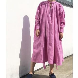 ホリデイ(holiday)のHOLIDAY  HEAVY LINEN DRESS ヘビーリネンドレス ピンク(ロングワンピース/マキシワンピース)
