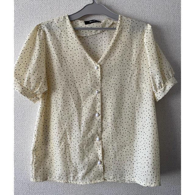 GOGOSING(ゴゴシング)のドットブラウス レディースのトップス(シャツ/ブラウス(半袖/袖なし))の商品写真