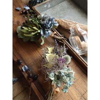 ガラス瓶に飾る紫陽花スワッグ。夏のインテリアスワッグ。ドライフラワースワッグ(ドライフラワー)