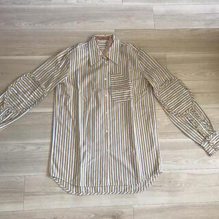 ヌメロヴェントゥーノ(N°21)のシャツ(シャツ/ブラウス(長袖/七分))