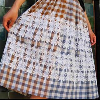 ミナペルホネン(mina perhonen)のミナペルホネン ランドシアター スカート(ひざ丈スカート)