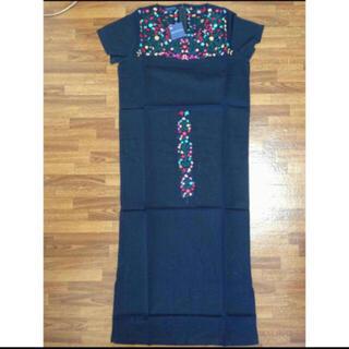 アッシュペーフランス(H.P.FRANCE)のANTIK BATIK 花柄刺繍ワンピース ブラック M(ひざ丈ワンピース)