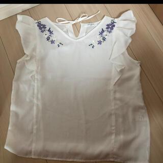 オフオン(OFUON)のさらに値下げしました!オフオン OFUON 刺繍 半袖カットソー  38サイズ(カットソー(半袖/袖なし))