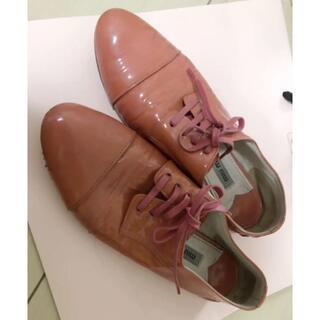 ミュウミュウ(miumiu)のmiu miu ミューミュー(ローファー/革靴)