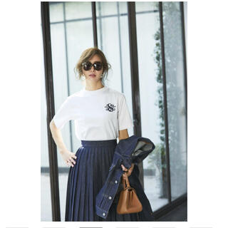 ドゥロワー(Drawer)のSEVENTEN SVT刺繍Tシャツ(ホワイト×ネイビー)Mサイズ(Tシャツ/カットソー(半袖/袖なし))