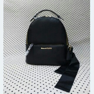 メゾンドフルール(Maison de FLEUR)の新品メゾンドフルールリュック ブラックリボンMリュック ブラックMサイズ(リュック/バックパック)