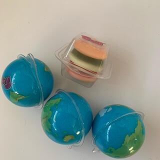 地球グミ 3個 +おまけ2個(菓子/デザート)