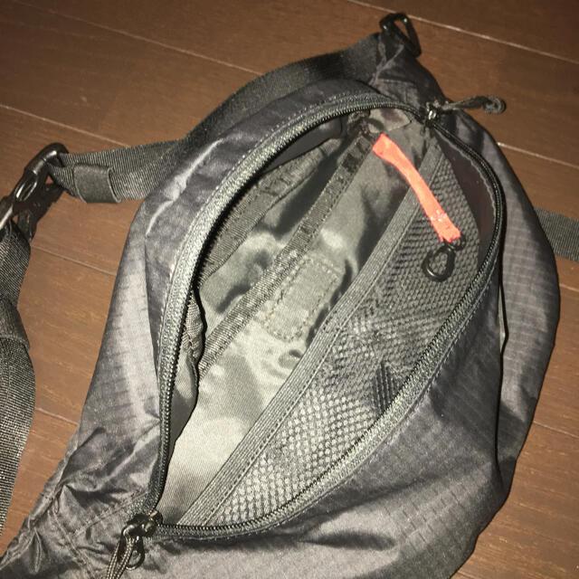 Columbia(コロンビア)のColumbia スリムボディバッグ メンズのバッグ(ボディーバッグ)の商品写真