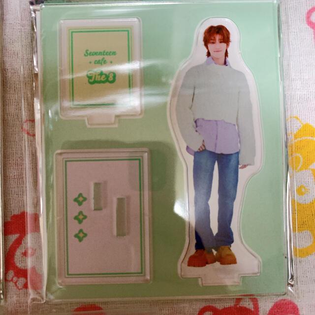 SEVENTEEN(セブンティーン)のTHE8 アクスタセット♡ エンタメ/ホビーのタレントグッズ(アイドルグッズ)の商品写真
