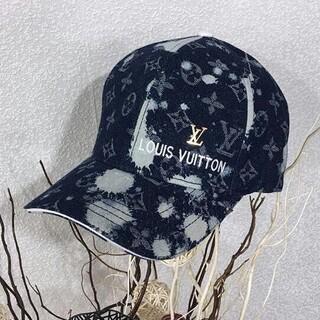 ルイヴィトン(LOUIS VUITTON)の刺繡ロゴベイスボール帽子キャップ(キャップ)