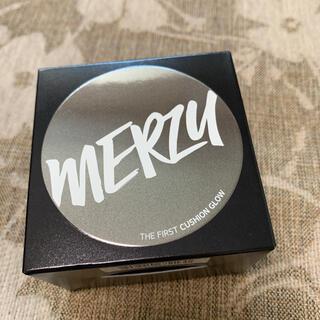 スリーシーイー(3ce)の【即日発送】mergy ザファースト クッショングロー GL2 ベージュ(ファンデーション)
