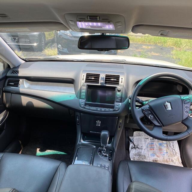 トヨタ(トヨタ)のクラウンハイブリッド ベースグレード ナビ TV 革シート 自動車/バイクの自動車(車体)の商品写真