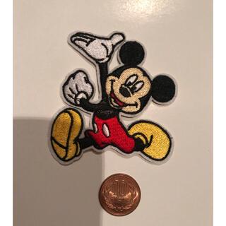 ディズニー(Disney)のアイロンワッペン一枚 刺繍 ミッキー ディズニー ハンドメイド 通園(ファッション雑貨)