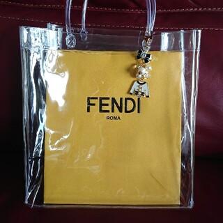 フェンディ(FENDI)のFENDI ショッパー♥️charm付(ショップ袋)