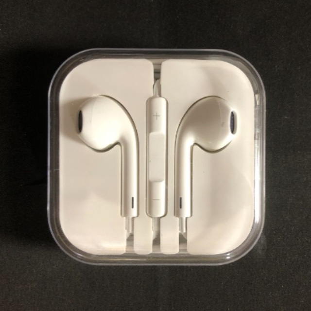 iPhone(アイフォーン)のiPhone イヤホン ケーブル セット スマホ/家電/カメラのオーディオ機器(ヘッドフォン/イヤフォン)の商品写真