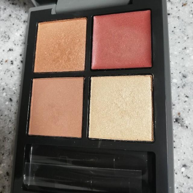 THREE(スリー)のTHREE ディメンショナルビジョンアイパレット 10 コスメ/美容のベースメイク/化粧品(アイシャドウ)の商品写真