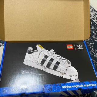 レゴ LEGO 10282 アディダス  adidas 靴 yezzy