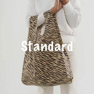 ドゥーズィエムクラス(DEUXIEME CLASSE)の【新品未使用】BAGGU スタンダード Tiger stripe 紙帯なし(エコバッグ)